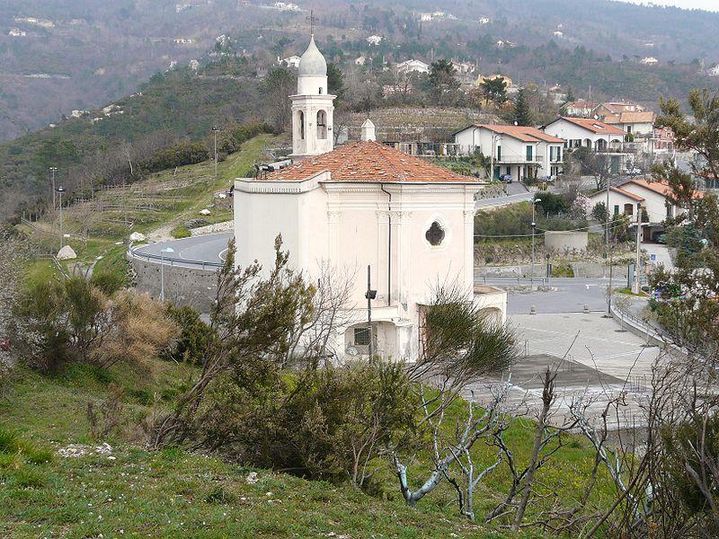 800px-Magliolo-santuario_cosma_e_damiano-panoramica